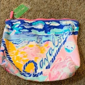 NWT Lilly Pulitzer destination pouch in Avalon